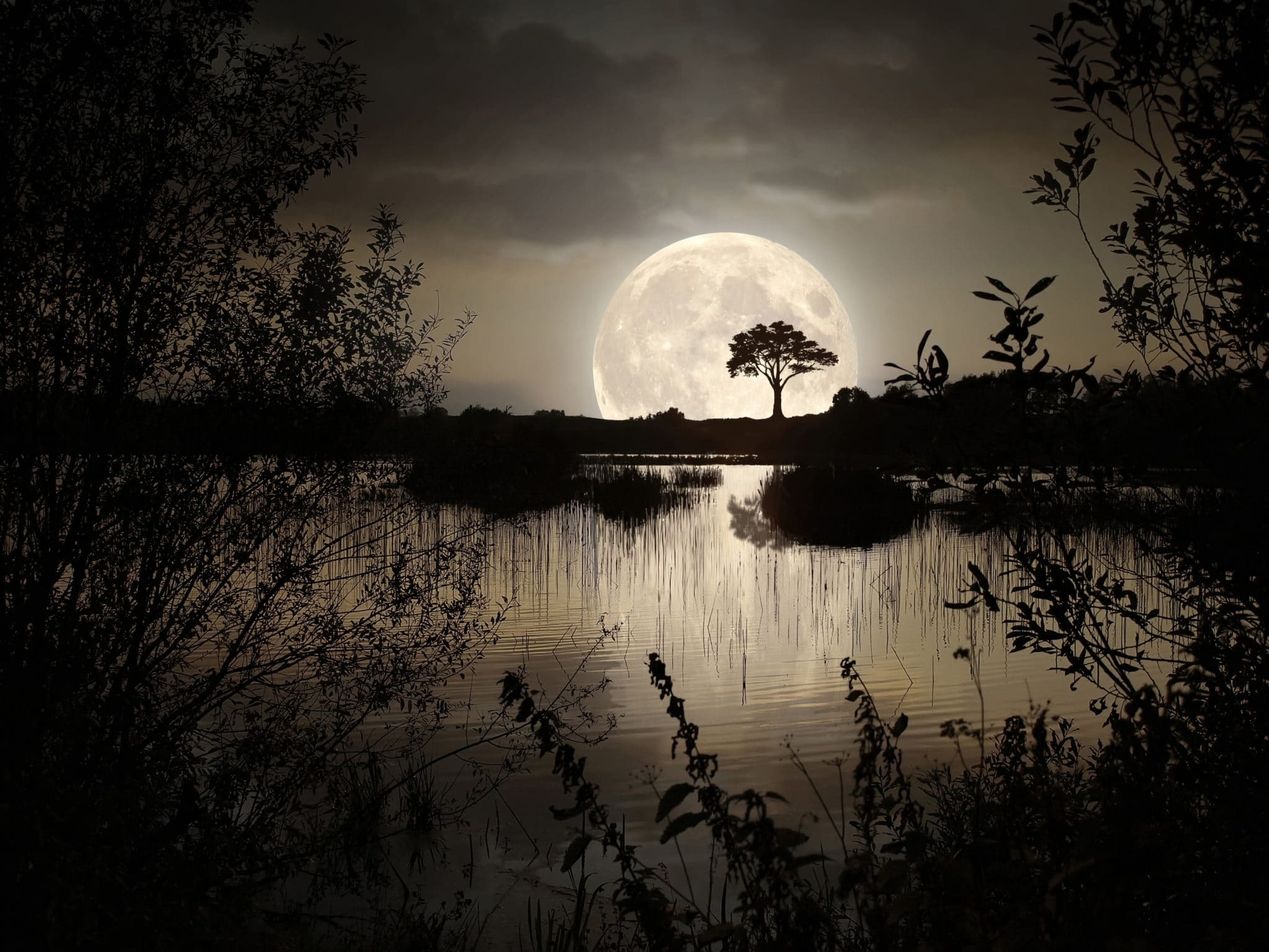 Spiritual meaning of the moon